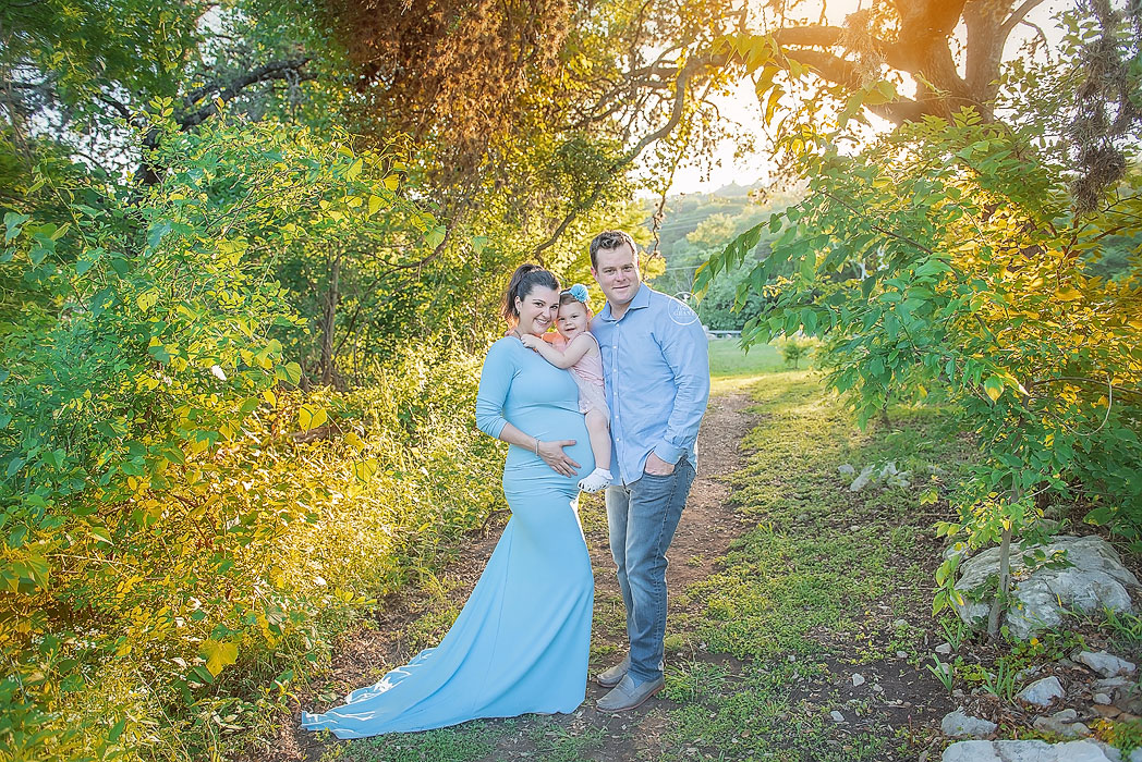 Outdoor Maternity Photography Session Austin Texas